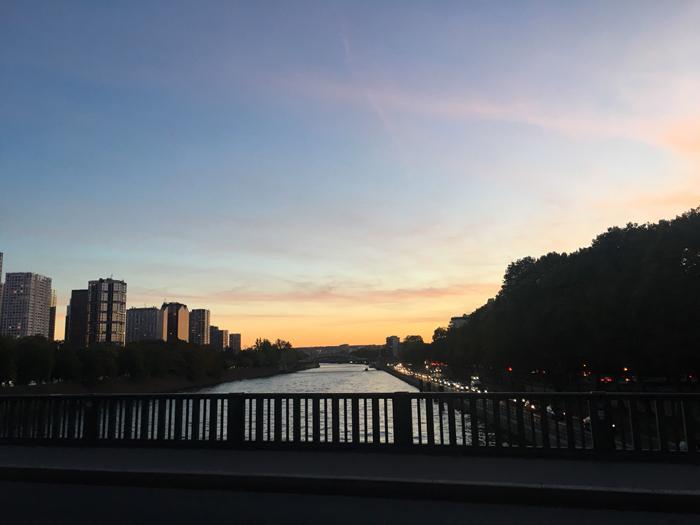 ビル・アケム橋 パリ