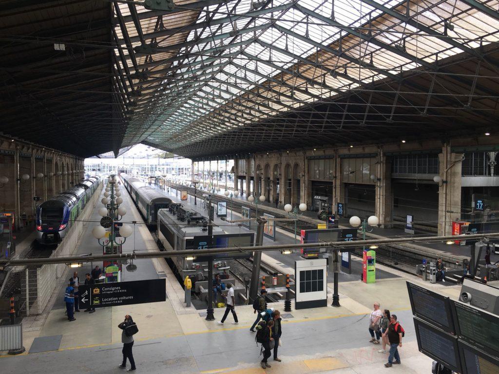 パリ 北駅 観光 電車
