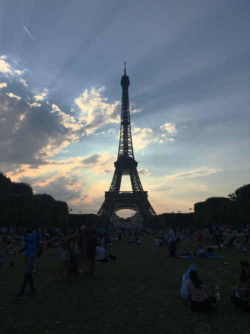 エッフェル塔 パリ ピクニック 観光