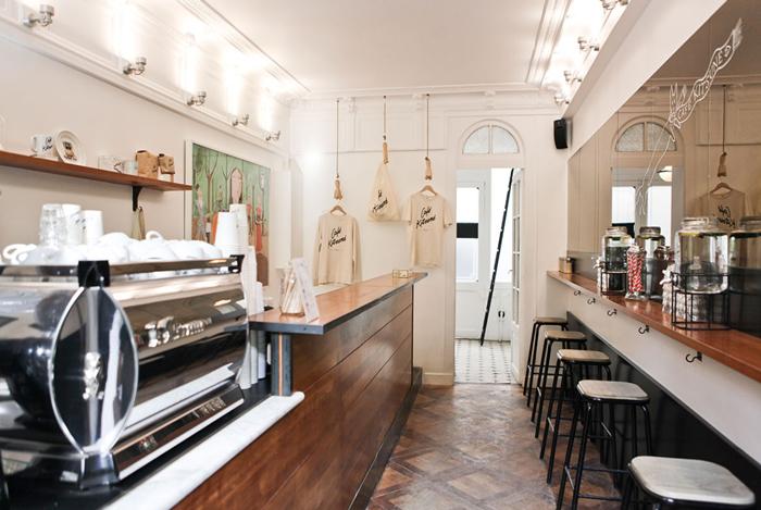 パリ 観光 カフェ