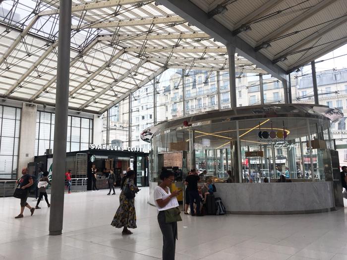 北駅 パリ カフェ