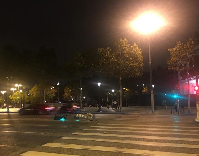 パリ シャンゼリゼ
