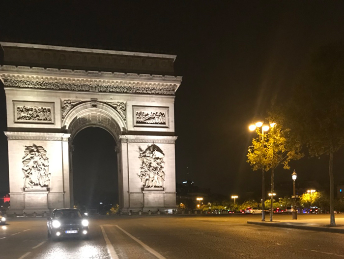 パリ シャンゼリゼ 観光