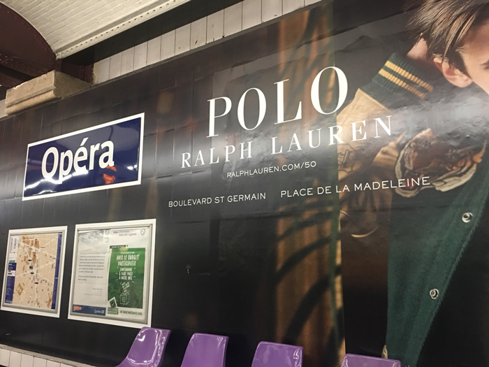 パリ メトロ 広告
