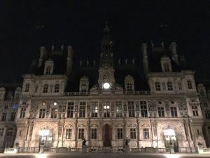 パリ セーヌ川 市庁舎