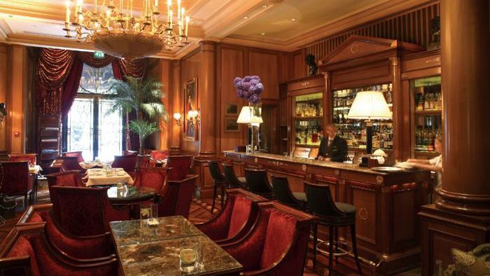 パリ フォーシーズンズ ホテル バー