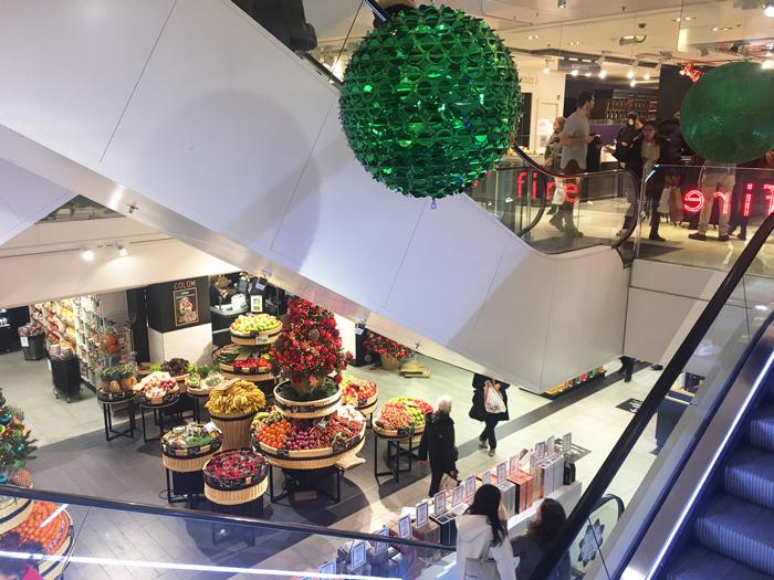 ギャラリーラファイエット パリ クリスマス