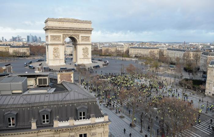 パリ 黄色のベスト