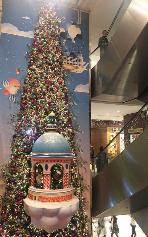 プランタン パリ クリスマス デコレーション