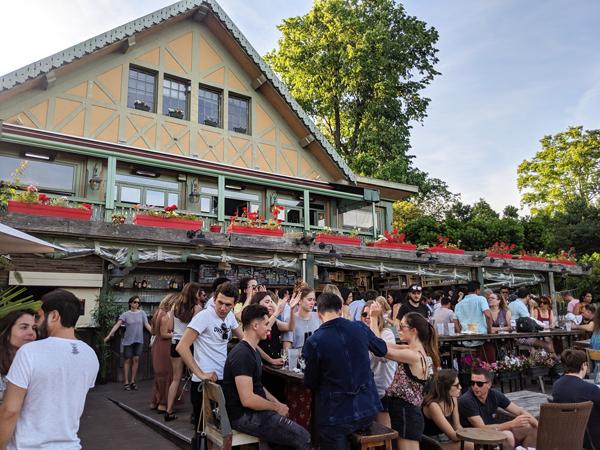 パリ ブローニュの森 レストラン