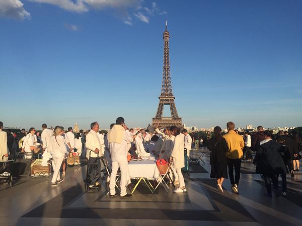 パリ ホワイト