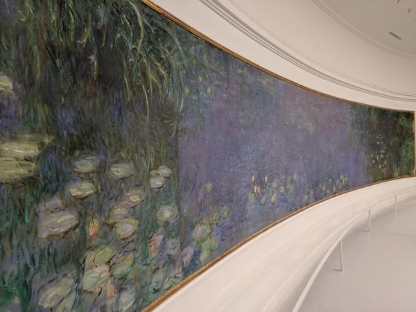 オランジュリー美術館 モネ 睡蓮の間