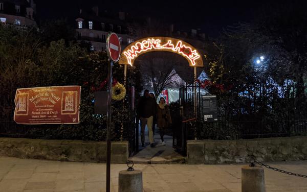 パリ ノートルダム大聖堂 クリスマスマーケット