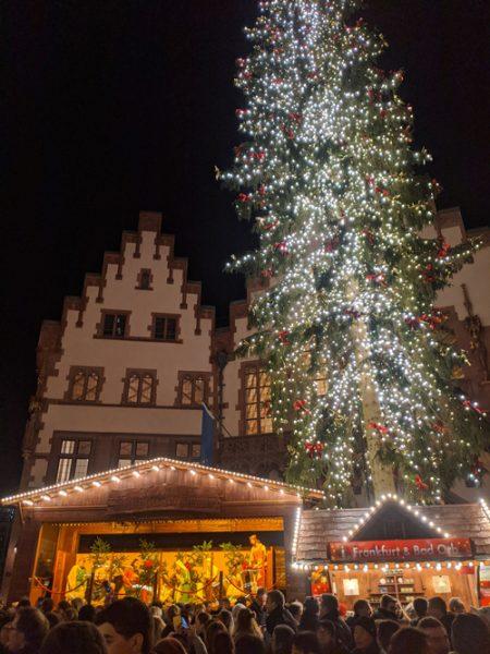 ドイツ クリスマスマーケット レーマー広場