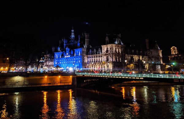 パリ市庁舎のクリスマスマーケット2019年