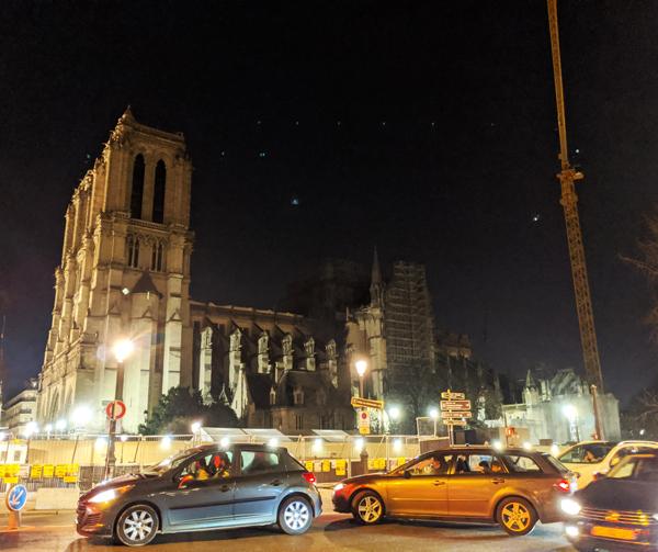 パリ ノートルダム大聖堂
